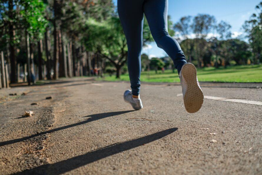 Person løber en tur